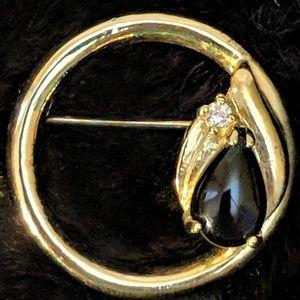Jewelry - Dainty Vintage Teardrop Brooch Pin